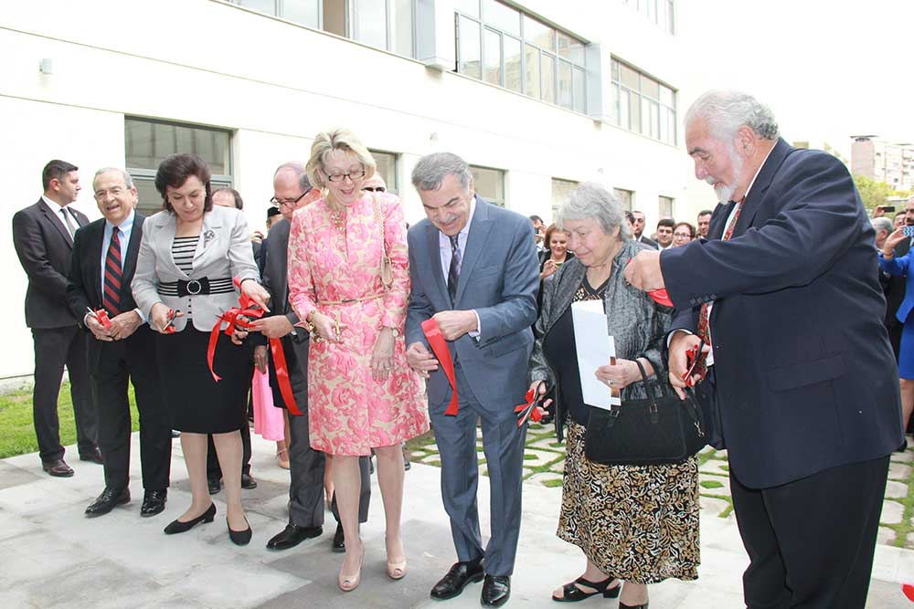 AGO--Avedisian-Ribbon-Cutting4